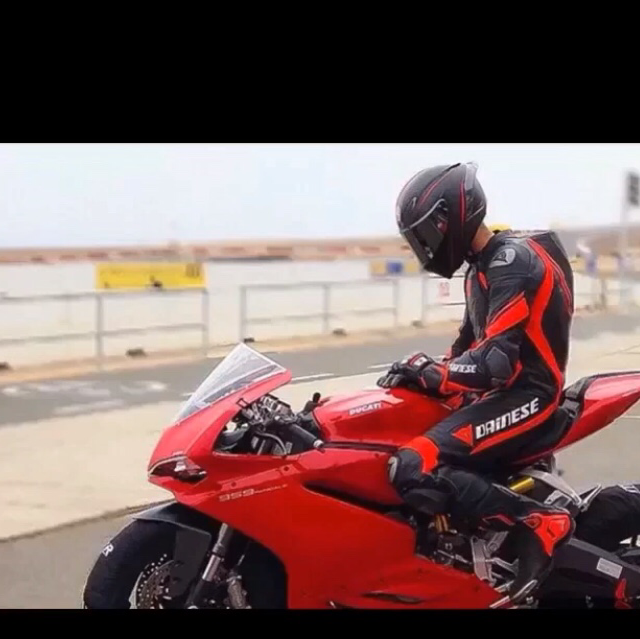 摩托车踏板